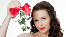 Vánoční zvyky a tradice: Proč věšíme jmelí, krájíme jablko a schováváme šupiny?