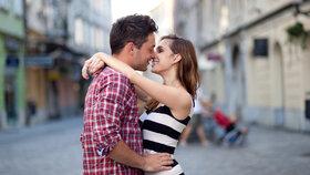 Vraťte romantiku do vztahu! Panny, nebuďte praktické! Raci, vyznávejte lásku!