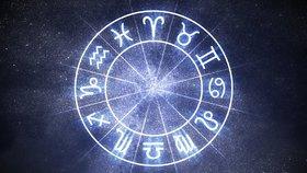 Velký horoskop na červen: Vodnáři objeví nový koníček a Střelci by měli zvolnit tempo