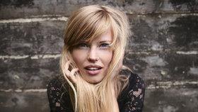 Barvené vlasy: Jak to udělat, aby se barva nevymývala a blond nežloutla