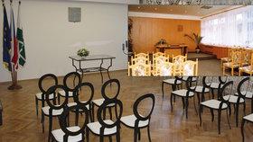 Dobrá zpráva pro snoubence i malé občánky: V Újezdu nad Lesy zrekonstruovali obřadní síň