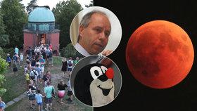 Český astronom o zatmění století: Na nebi se kromě rudého Měsíce objevil i Krteček