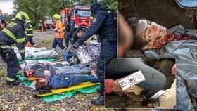 Kusy sedadel, krev a ranění: Záchranáři, hasiči a policisté trénovali na Chodově zásah u výbuchu ve vlaku