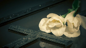 I v těžké chvíli musíte přemýšlet, jak zajistit pohřeb