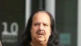 Nejslavnější pornoherec světa za mřížemi? Za znásilnění 4 žen mu hrozí 90 let vězení!