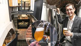 """Z """"ajťáka"""" sládkem? Milan (35) ve sklepě na Andělu vybudoval osobitý minipivovar, vaří pivo s kolagenem"""