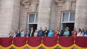 Alžběta II. a rod Windsorů: Jak se královská rodina dostala na trůn a kdo na něj má šanci usednout?