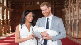 Mrtvá kočka? Británie se nestačí divit, po kom Meghan pojmenovala Archieho!