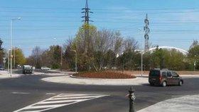 Od dubna už se tudy jezdí: Novou okružní křižovatkou na Klíčově projedou ve špičce tisíce aut