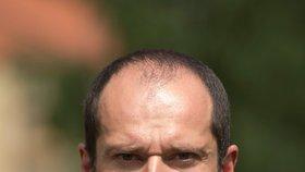 Náměstek ministra se porval s vojenským policistou. Berana obvinili, hrozí mu dva roky