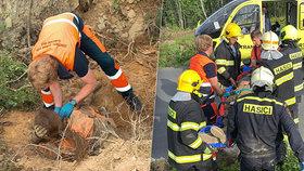 Muž byl na Olomoucku málem pohřben zaživa, zavalil ho strom a zemina