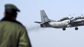 Nová letecká záhada: Vojenský stroj se 13 lidmi na palubě beze stopy zmizel