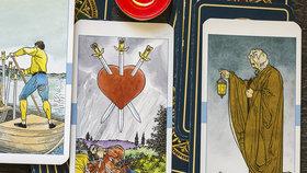 Tarotový horoskop na listopad. Jaké karty padly Býkům, Štírům nebo Rybám?