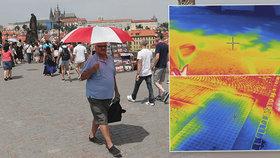 Takhle se pečou lidé v Praze: Teplotní peklo, až 55 °C na slunci a vařící auta i vozovky