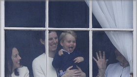 Kolik chův má vévodkyně Kate? A kolik Meghan? Budete se divit!