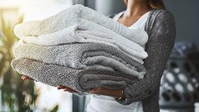 Chcete hebké a měkké ručníky? Tak se konečně vyvarujte těchto zásadních chyb!