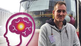 Boj o vteřiny! Vyhořelý manažer Lukáš prodělal mrtvici v 29 letech. Jeho příběh představila speciální tramvaj