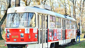 Legendární tramvaj brázdí pražské ulice: Připomíná Václava Havla (†75) i sametovou revoluci