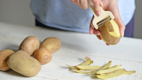 Skvělé tipy, jak zužitkovat slupky z ovoce nebo zeleniny