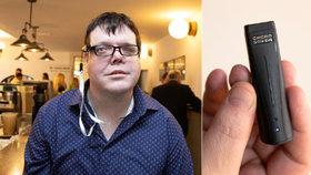Nevidomému Pavlovi (31) pomáhá umělá inteligence: Umí rozeznat barvy i potraviny