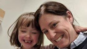 Dívka (6) s Downovým syndromem hrozila prstíky, že zastřelí učitelku: Škola na ni zavolala policii!