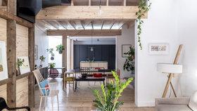 Úžasné! Rekonstrukce změnila stoletou chatu v moderní domov