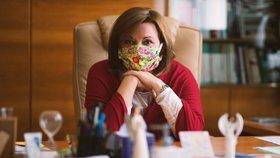 """Schillerová tasila bilion korun proti viru. Analytici: """"Sliby a předvolební guláš"""""""