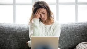 V on-line světě nevidíme, jak náš komentář na druhého působí, takže nás to nezastaví, vysvětluje psycholožka