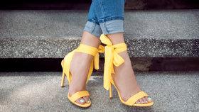 Na vysoké noze: Tyhle sandálky nebudete chtít sundat!