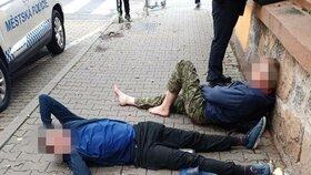 Slovák s Ukrajincem byli jako Dánové: Opilí do němoty se váleli na chodníku v centru Plzně