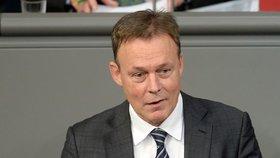 Smutek ve Spolkovém sněmu: Po náhlém kolapsu zemřel místopředseda, natáčel zrovna rozhovor