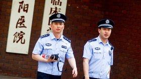 Zloději zemřeli při vykrádání hrobky v Číně. Otrávili se jedovatým plynem