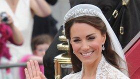 Nevěsty Eugenie, Meghan a Kate: Které svatební šaty se vám líbily nejvíc?