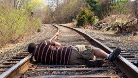 Prokleté místo Hamry: Dva muži si tu o víkendu přišli pro smrt! Nechali se přejet vlakem