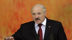 """Bělorusové volí prezidenta: Padne """"poslední diktátor Evropy"""" po 21 letech?"""