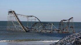 Nová atrakce: Horská dráha v moři? Ne, spoušť po hurikánu Sandy!