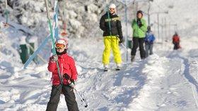 Začaly i vašim dětem jarní prázdniny? Zabavte je na horách, počasí přeje lyžařům