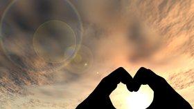 Arianin láskoskop na srpen: Střelci oslní, Váhy čekají komplikace