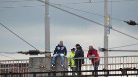 Policisté v Praze rozmluvili sebevrahovi skok z Vyšehradu