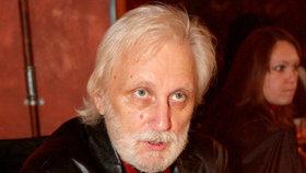 Dvanáct let od smrti Karla Černocha (†64): Drsný zásah ochranky na tajném pohřbu!