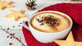 Zařejte se vánoční kávou: S příchutí perníčků nebo máty a čokolády