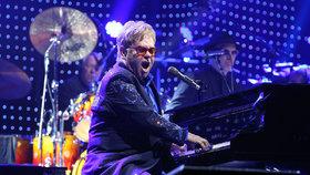 Elton John v Praze nadchl diváky: Z koncertu pak spěchal zpátky na letiště