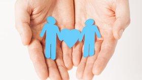 Děti trápí homofobie a sexuální orientaci rodičů tak neřeší, tvrdí studie