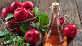 10 překvapivých využití pro jablečný ocet! Vybělí zuby, odstraní bradavice a zažene pach cigaret