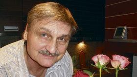 Herec Pavel Soukup zkolaboval! Našli ho na chatě, krvácel do břicha