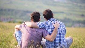 Italové zatrhli manželství homosexuálů. Lidé se jezdili oddávat do zahraničí