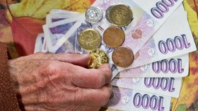 Almužnu místo důchodu bere 25 tisíc seniorů. Nemají penzi ani 5 000 korun