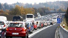 Peklo na D1 před Prahou nekončí. Kolony poničily při poslední opravě další část dálnice