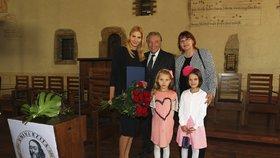 Gottová odpromovala: Čím ji odměnil pyšný Karel?