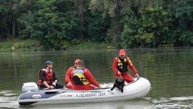 Brněnská přehrada má první letní oběť: Před očima ženy se utopil starší muž